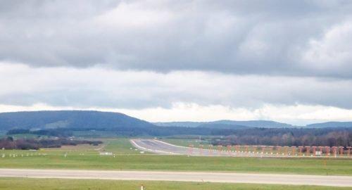 Capacity predictions for runway maintenance planning